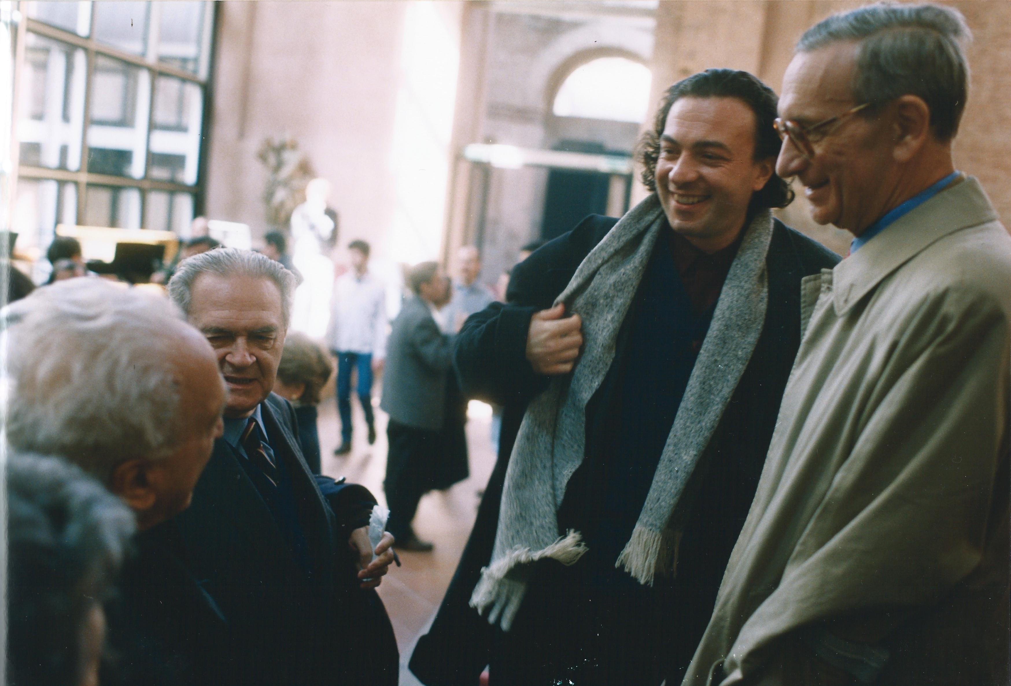 ALBERTO CAPRIOLI, FIORI D'OMBRA, PER ARCHI. ORCHESTRA DEL TEATRO COMUNALE DI BOLOGNA, DIR. ROBERTO POLASTRI. BOLOGNA, AULA ABSIDALE DI SANTA LUCIA, 4 APRILE 2001. A DESTRA: PIERO POZZATI, TITO GOTTI, ALBERTO CAPRIOLI, EZIO RAIMONDI. FOTO PRIMO GNANI