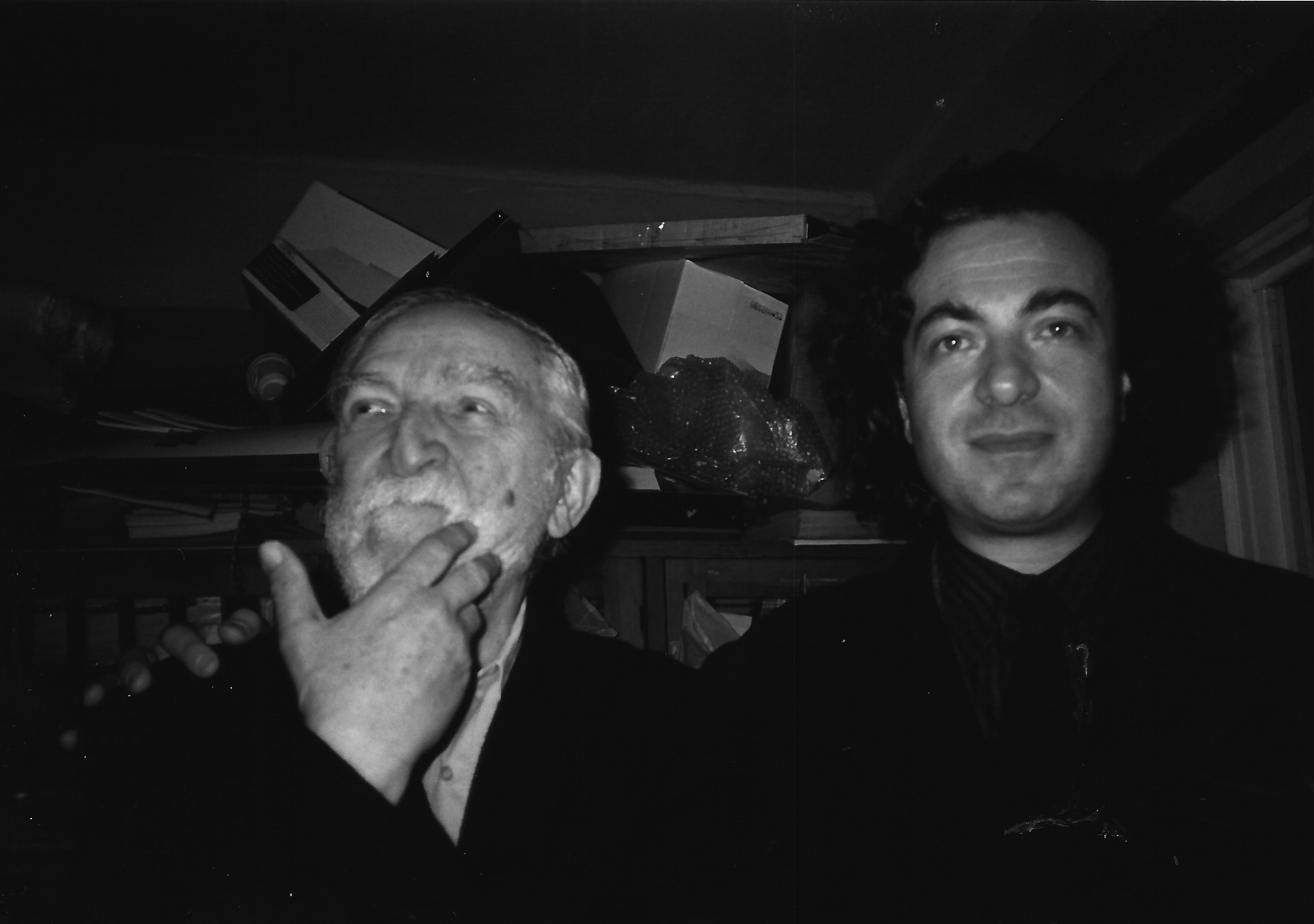 ALBERTO CAPRIOLI NELLO STUDIO DI BOGUSŁAW SCHAEFFER, CRACOVIA, MAGGIO 1999