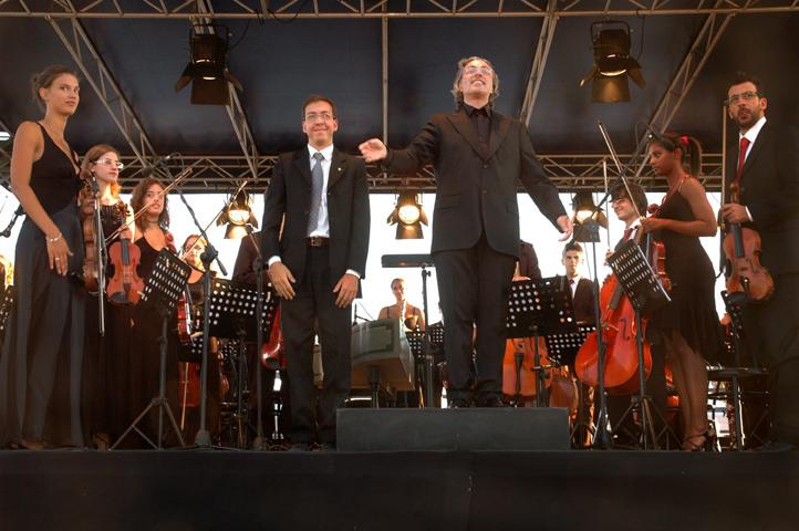 TORINO, FESTIVAL MITO - SETTEMBRE MUSICA, VENARIA REALE, ORCHESTRA NAZIONALE DEI CONSERVATORI ITALIANI, LUCA OBERTI, CEMBALO, IN F.J. HAYDN, SINFONIA 104, ALBERTO CAPRIOLI, DIR., FOTO LORENZO MASCHERPA, 2009